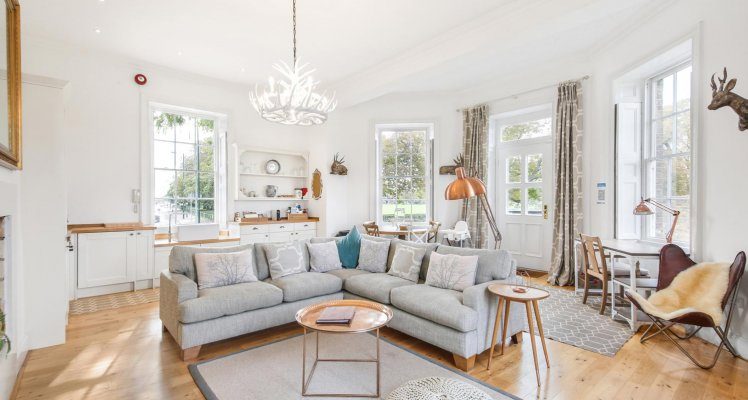 Lounge-Kitchen-Upper-Garden-1